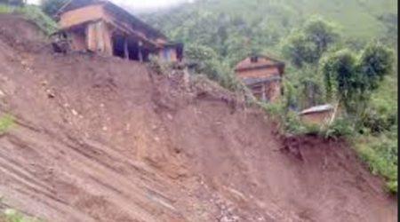 जलजला गाउँपालिकामा पहिराे, २५ घर विस्थापित