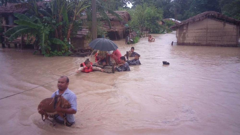 कैलाली-कञ्चनपुर डुबानमा, तीन जना बेपत्ता ५६०० परिवार विस्थापित