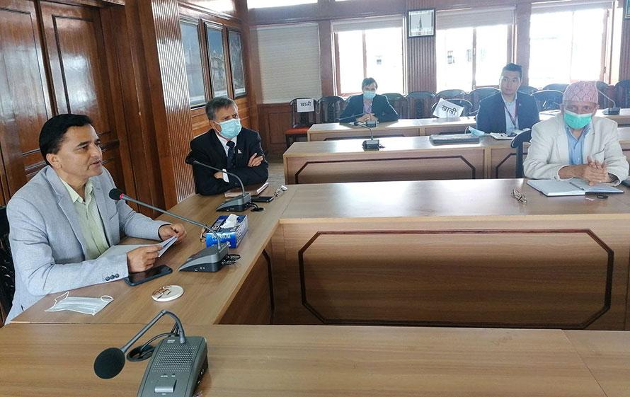 आन्तरिक उडानको लागि नयाँ जहाज किन्न नेपाल एयरलाइन्सलाई पर्यटनमन्त्री भट्टराईको निर्देशन