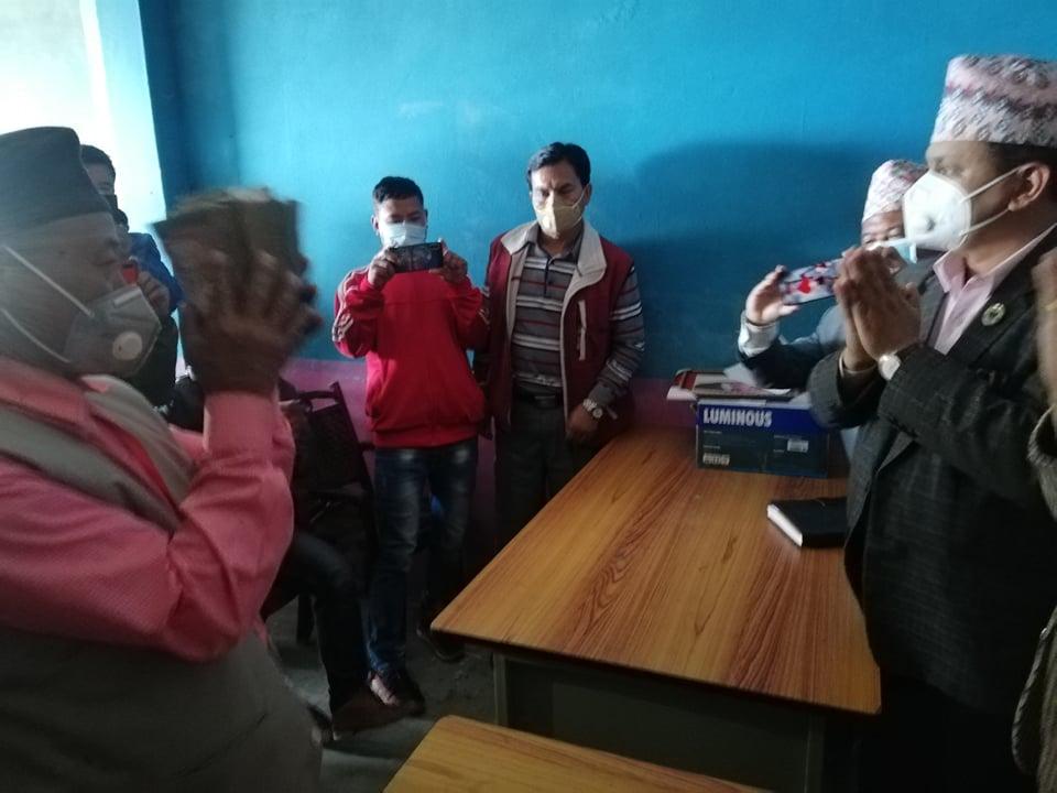 साक्षी लिम्बू बचाउ अभियानबाट संकलित रकम हस्तान्तरण