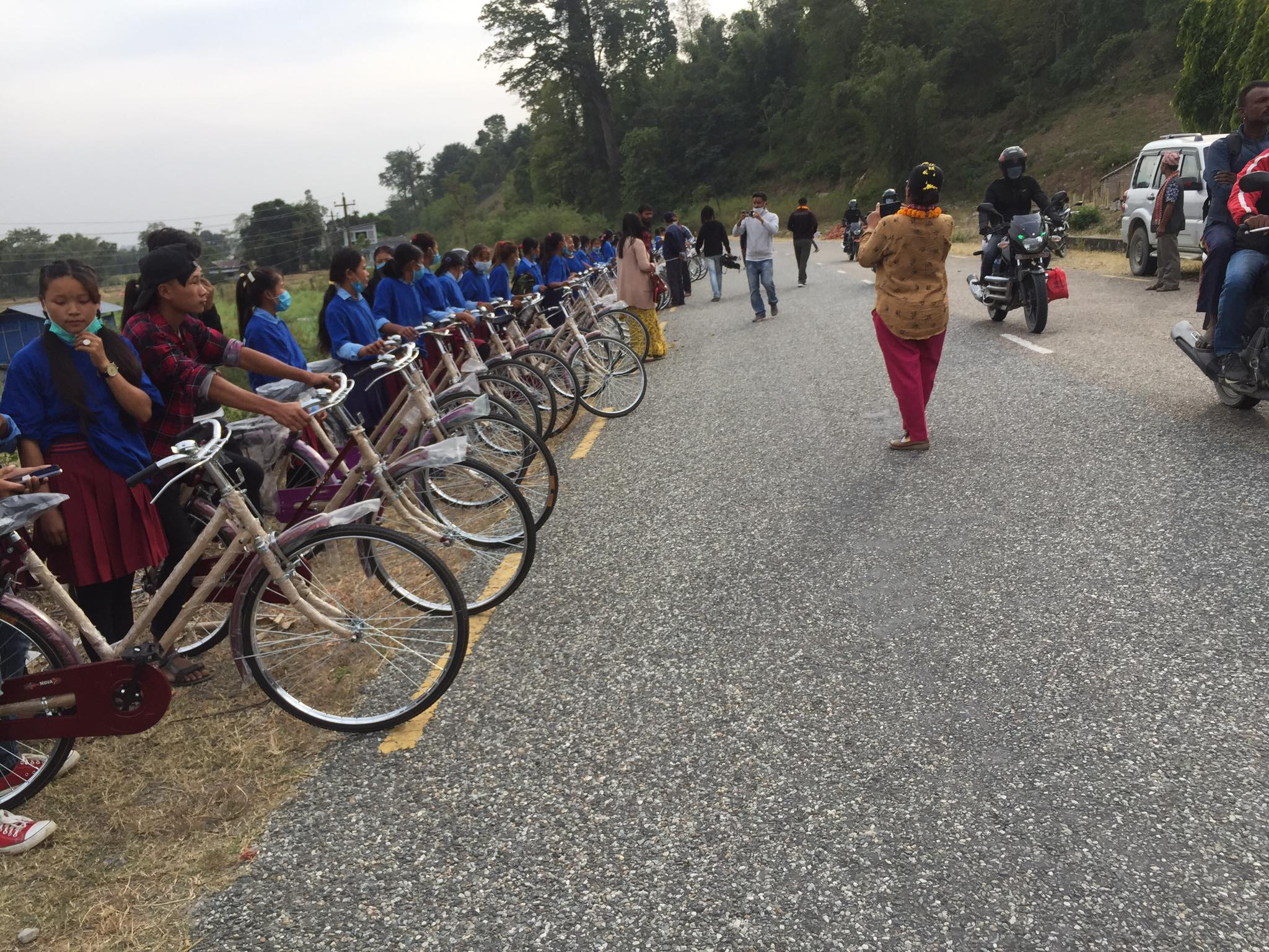 बेलका नगरद्वरा ९० छात्रालाई निशूल्क साइकल