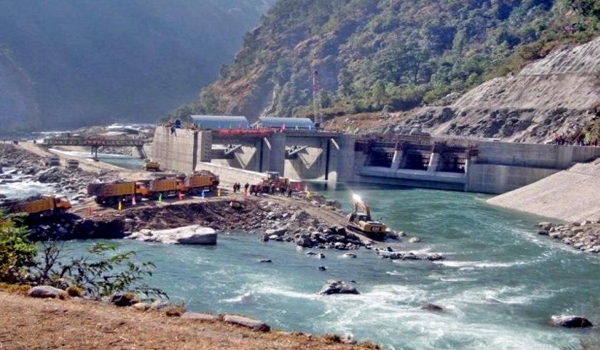 मजदुर आन्दोलनले अरुण तेस्रो जलविद्युत् परियोजनाको काम रोकियो, स्थानीय प्रशासनमा छलफल जारी